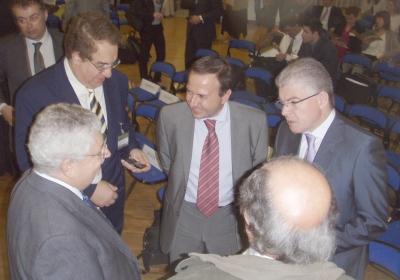 Andreas Lykourentzos, Greek Deputy Minister of National Education (right) discusses with Prof Kostas Tsolakidis, University of the Aegean, Sofoklis Sotiriou, Ellinogermaniki Agogi and Dr Dimitrios Katsigiannis, Hellenic Aerospace Industry